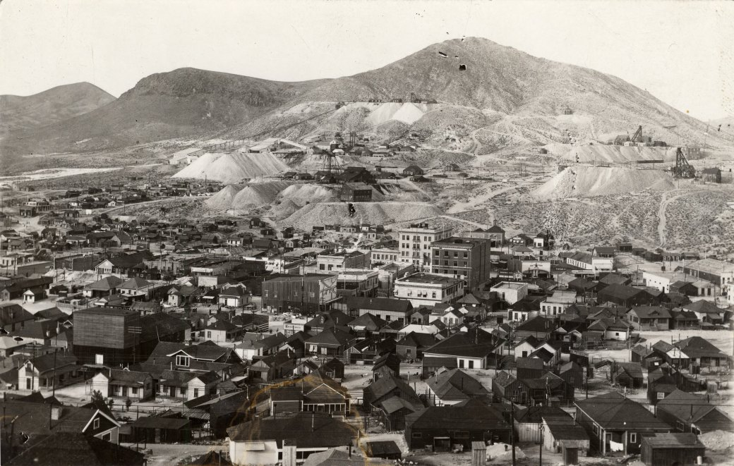 32 Tonopah ariel photo Unr